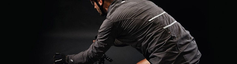 Kurtki rowerowe: wiatrówki i przeciwdeszczowe – duży wybór