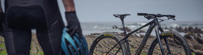 Rękawiczki rowerowe z palcami i bez –  maksymalna przyczepność
