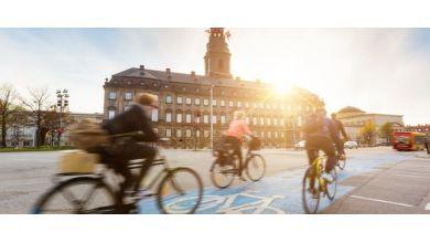 Jaki rower miejski wybrać do jazdy po ulicach miasta – na co zwrócić uwagę?